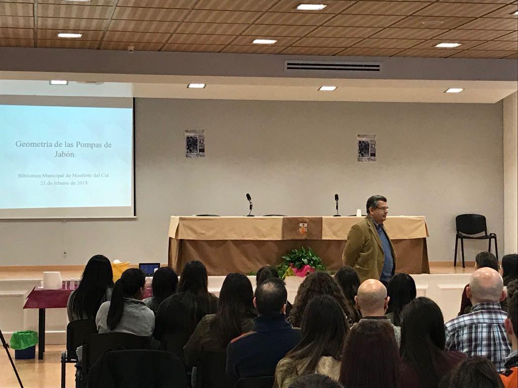 Charla didáctica del profesor Salvador Segura en Monforte del Cid. (21.02.2018)